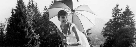If Audrey didn't have a golf club in her other hand, she wouldn't be leaning.