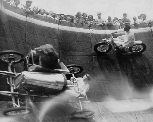 Wall Of Death - Lion Sidecar