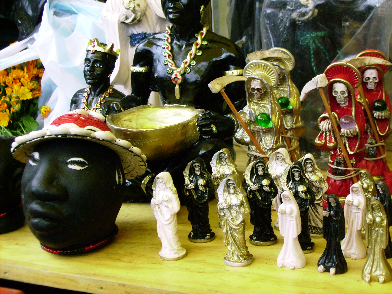 Mercado de Sonora - from wikimedia: http://commons.wikimedia.org/wiki/File:Mercado_de_Sonora_M%C3%A9xico_DF_20_04_07.jpg